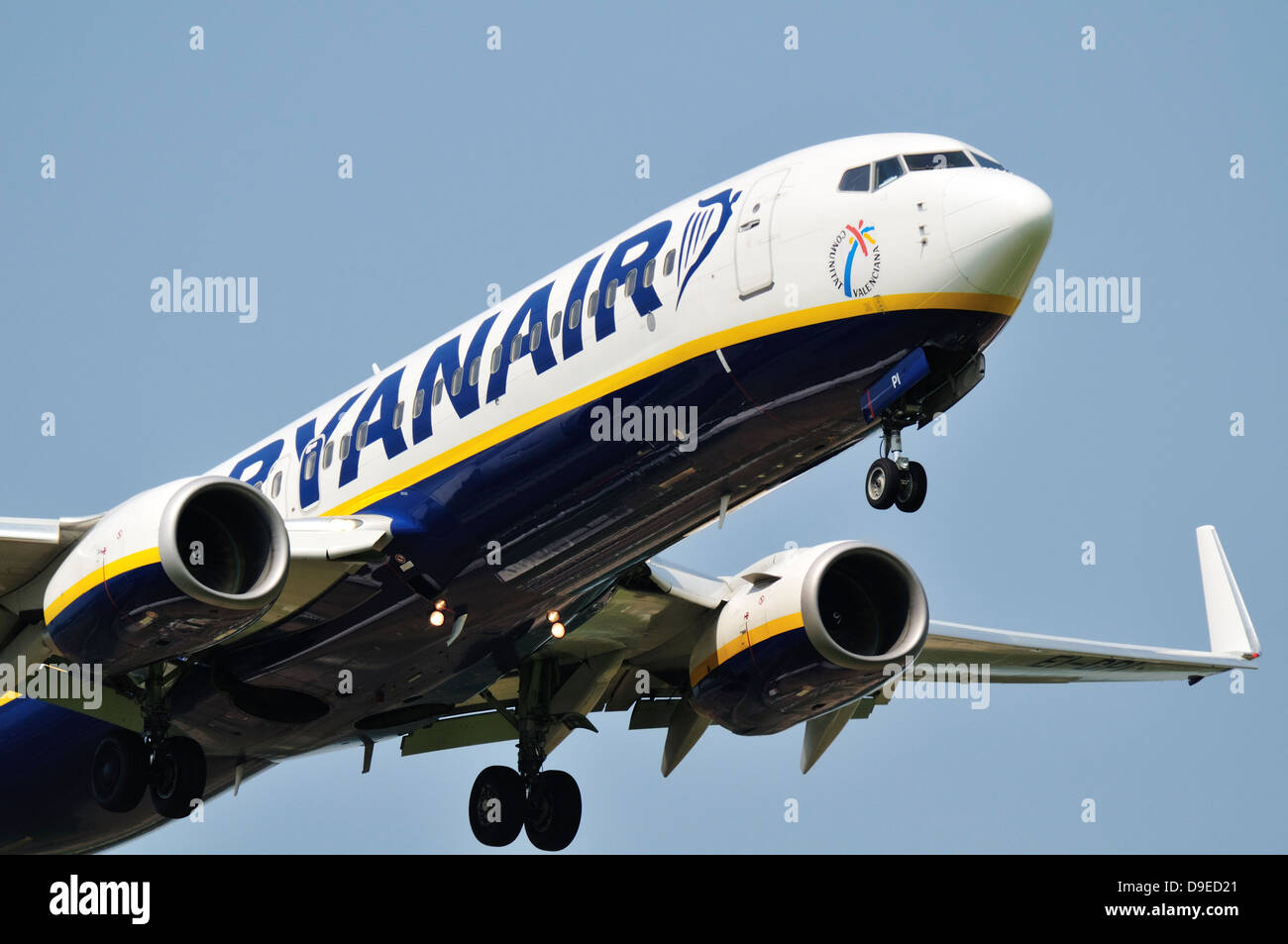 Ryanair Boeing 737 coming in to land Stock Photo