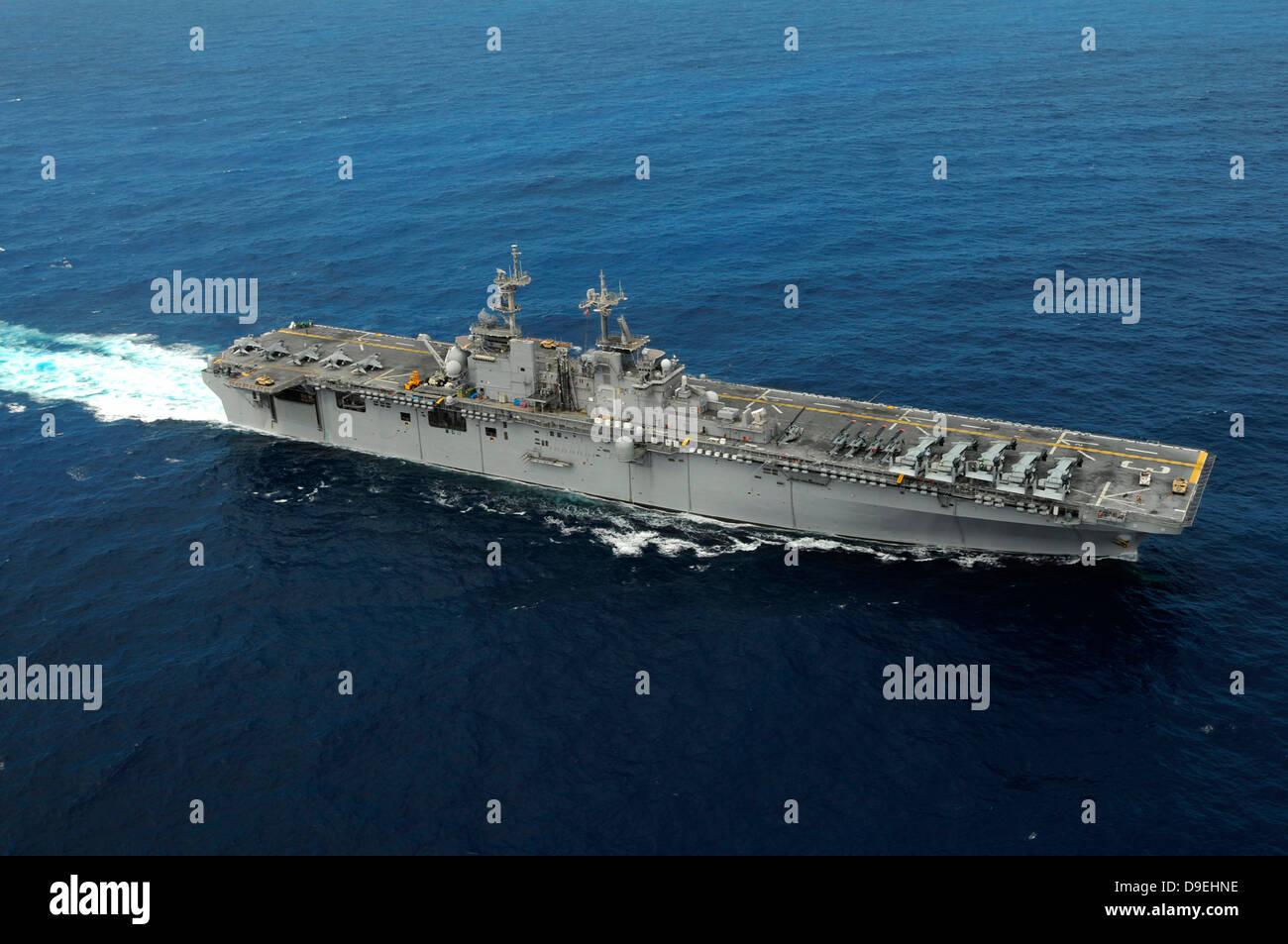 Amphibious assault ship USS Kearsarge Stock Photo