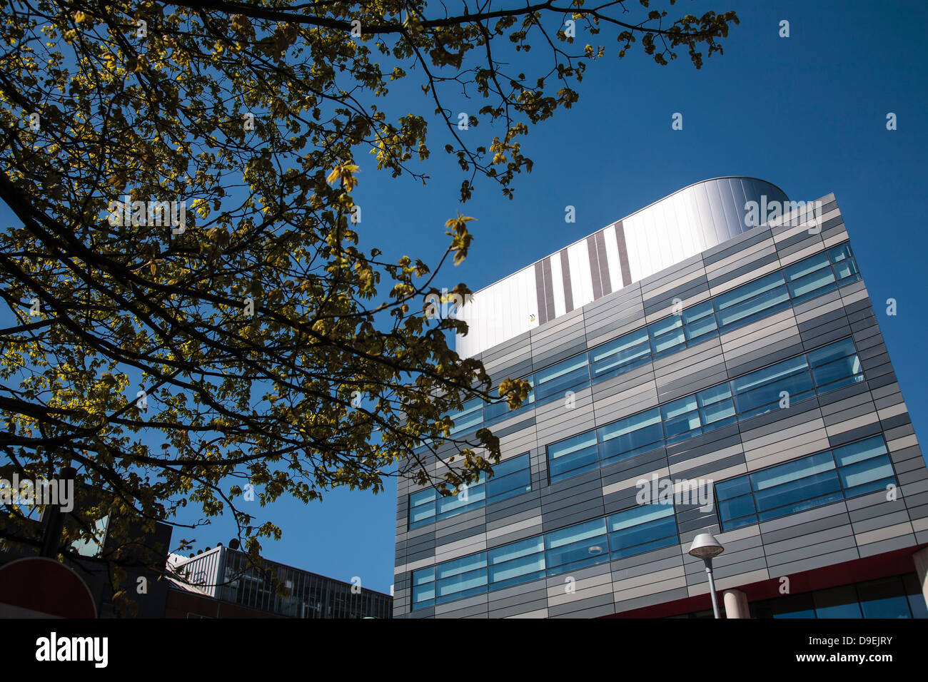 The Strathclyde Institute of Pharmacy and Biomedical Sciences building on Cathedral Street. - Stock Image