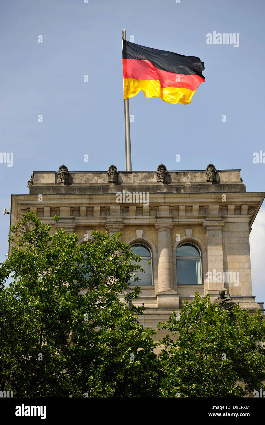 German flag on Reichstag building, the German Bundestag, government quarter, Berlin, Germany, Europe - Stock Image