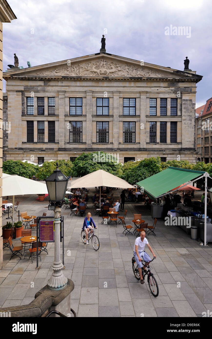 Concert hall, Schinkelbau, Caf ? ?, Touristen, gendarme's market, district middle, Berlin, Germany, Europe - Stock Image