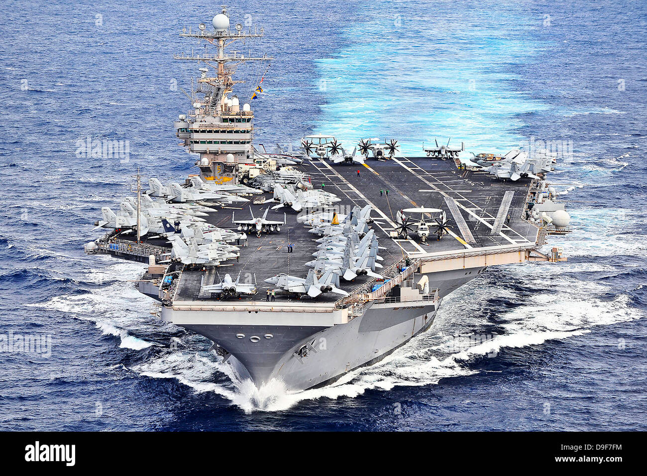 USS Abraham Lincoln transits the Pacific Ocean. - Stock Image