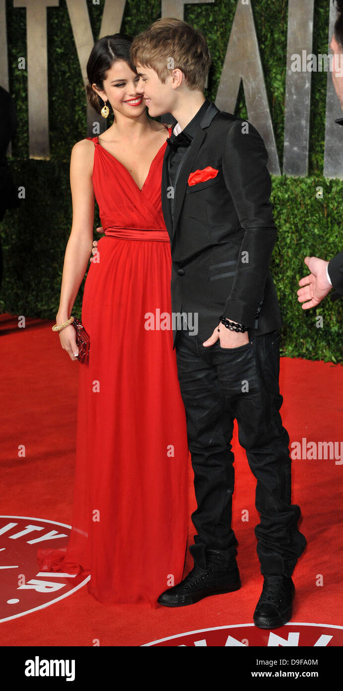 Selena Gomez And Justin Bieber 2011 Vanity Fair Oscar Party At Sunset Stock Photo Alamy