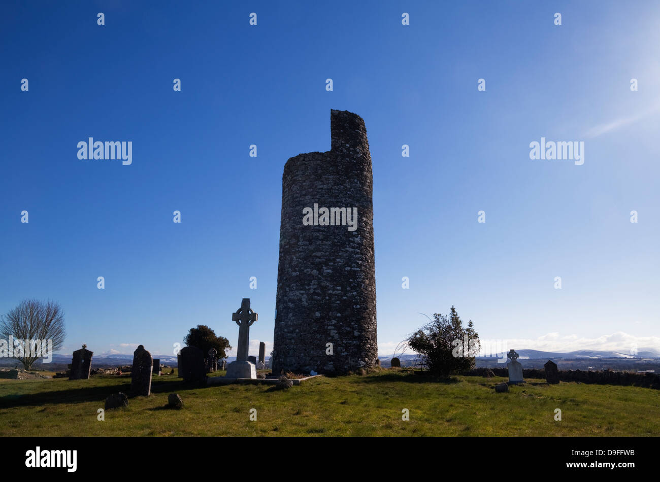 11th Century Round Tower, In a monastery site said to be founded by St Patrick, Old Kilcullen, County Kildare, Ireland - Stock Image
