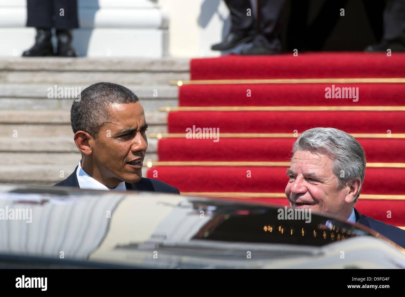 Berlin, Germany. June 19th 2013. German President Joaquim Gauck receives US President Barack Obama in the Presidential Stock Photo