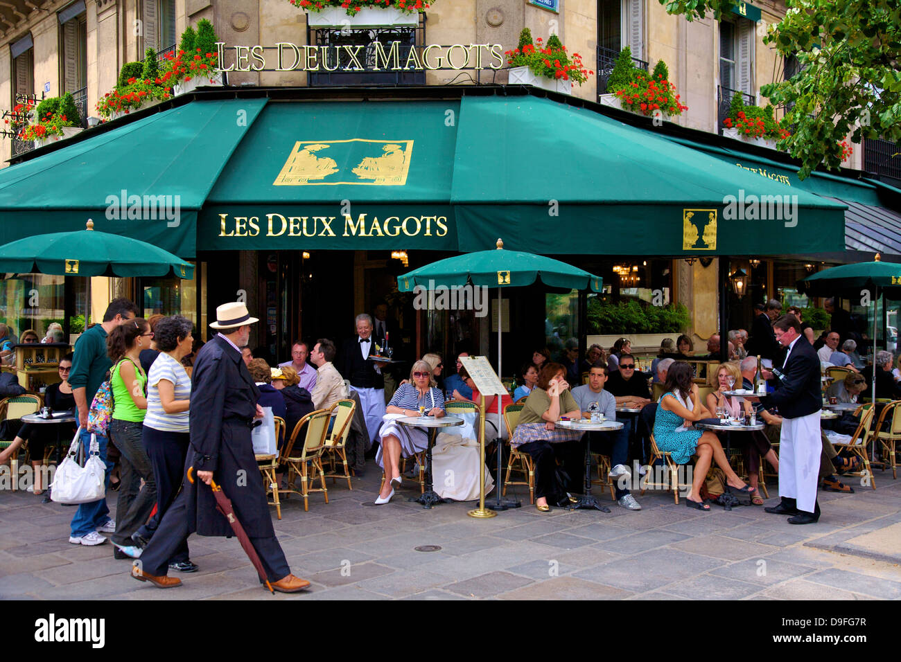 Les Deux Magots Restaurant, Paris, France Stock Photo