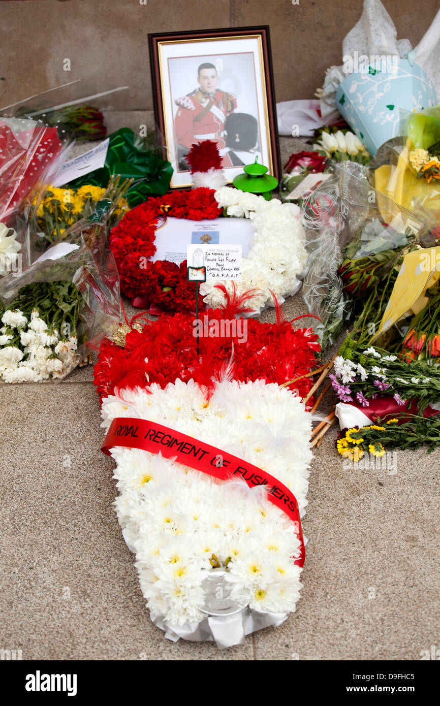 Floral tributes laid in the memory of Fusilier Lee Rigby at the War Memorial in War Memorial Park, Coventry. - Stock Image