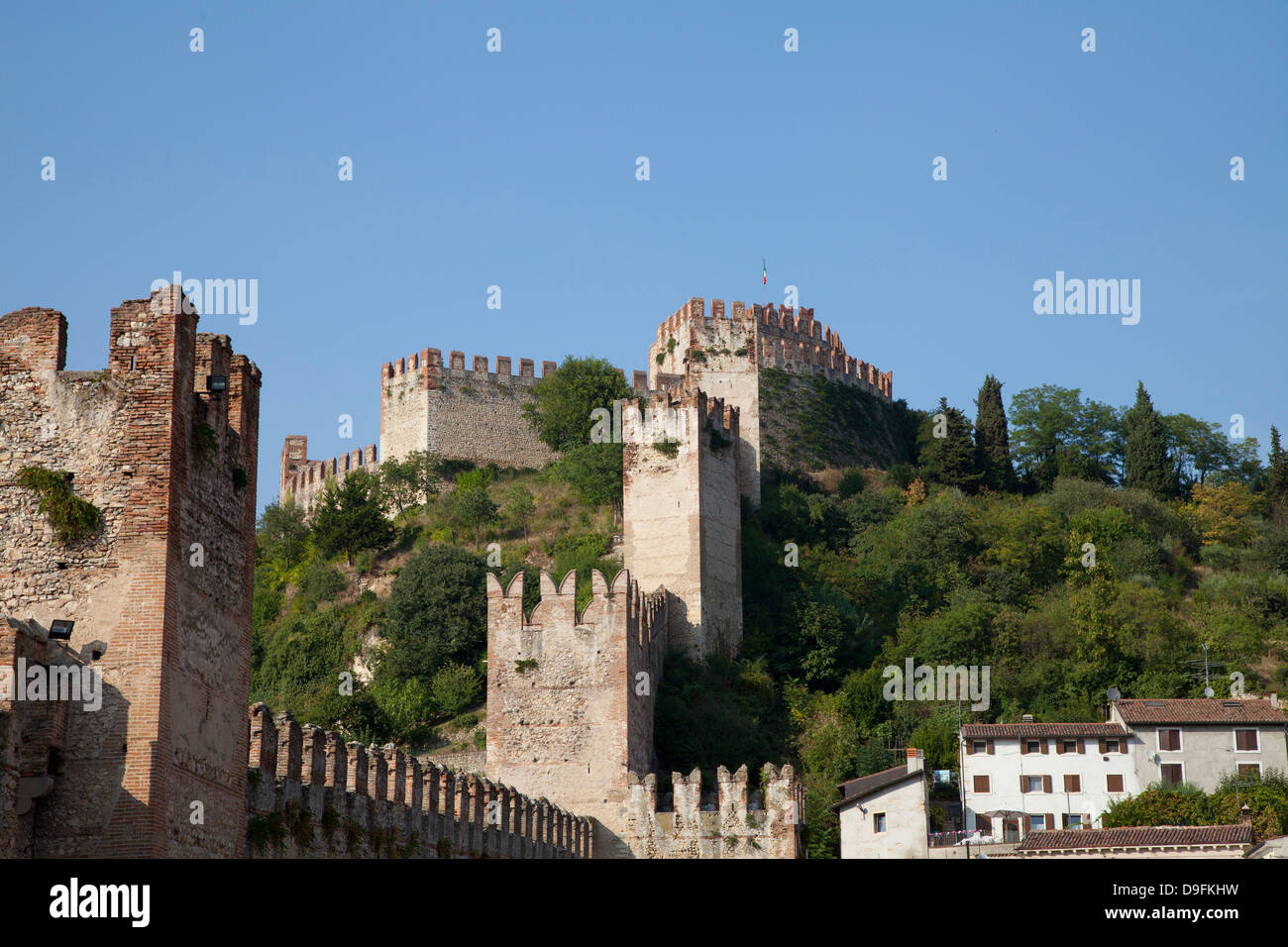 Castle and town walls, Soave, Veneto, Italy - Stock Image