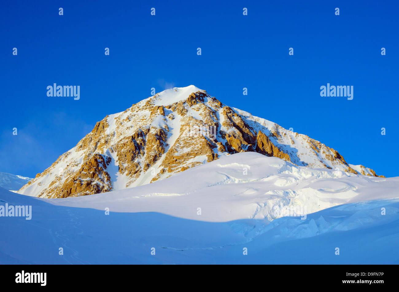 Mount McKinley, 6194m, highest mountain in North America, Denali National Park, Alaska, USA - Stock Image
