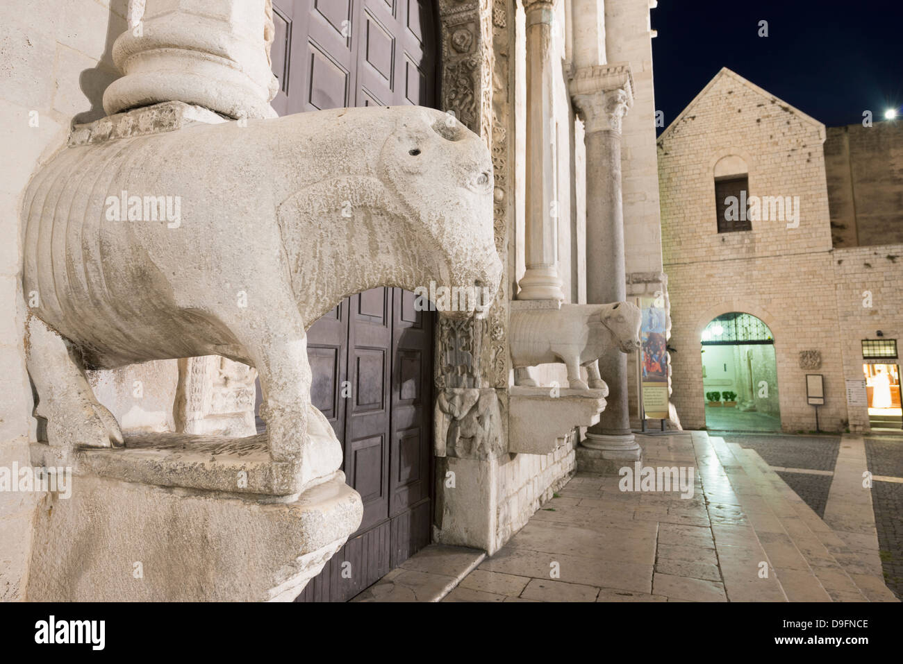Sculptures on San Nicola Basilica, Bari, Puglia, Italy - Stock Image