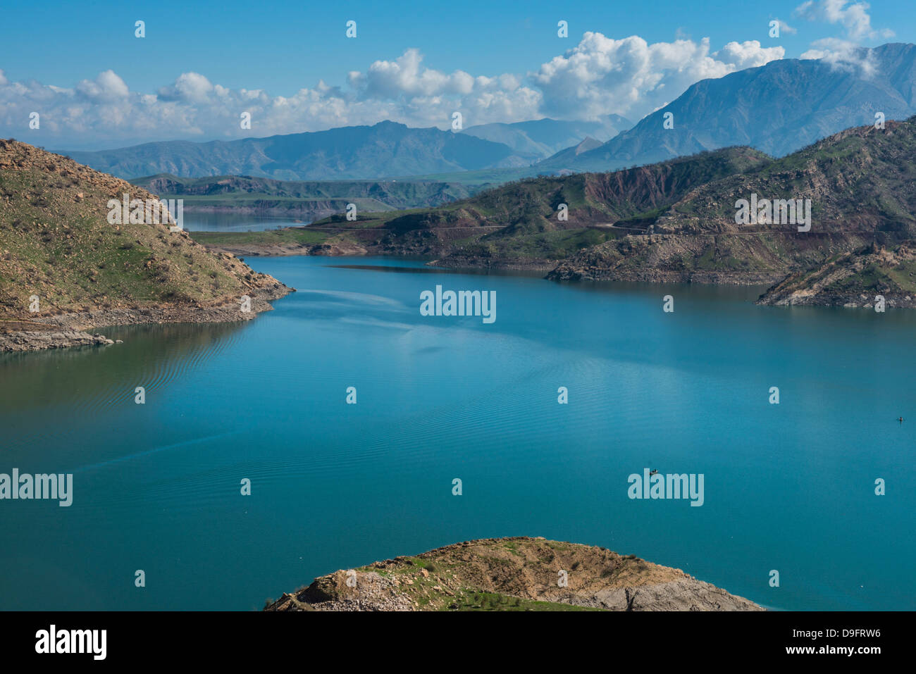 Darbandikhan artificial lake on the border of Iran, Iraq Kurdistan, Iraq, Middle East - Stock Image