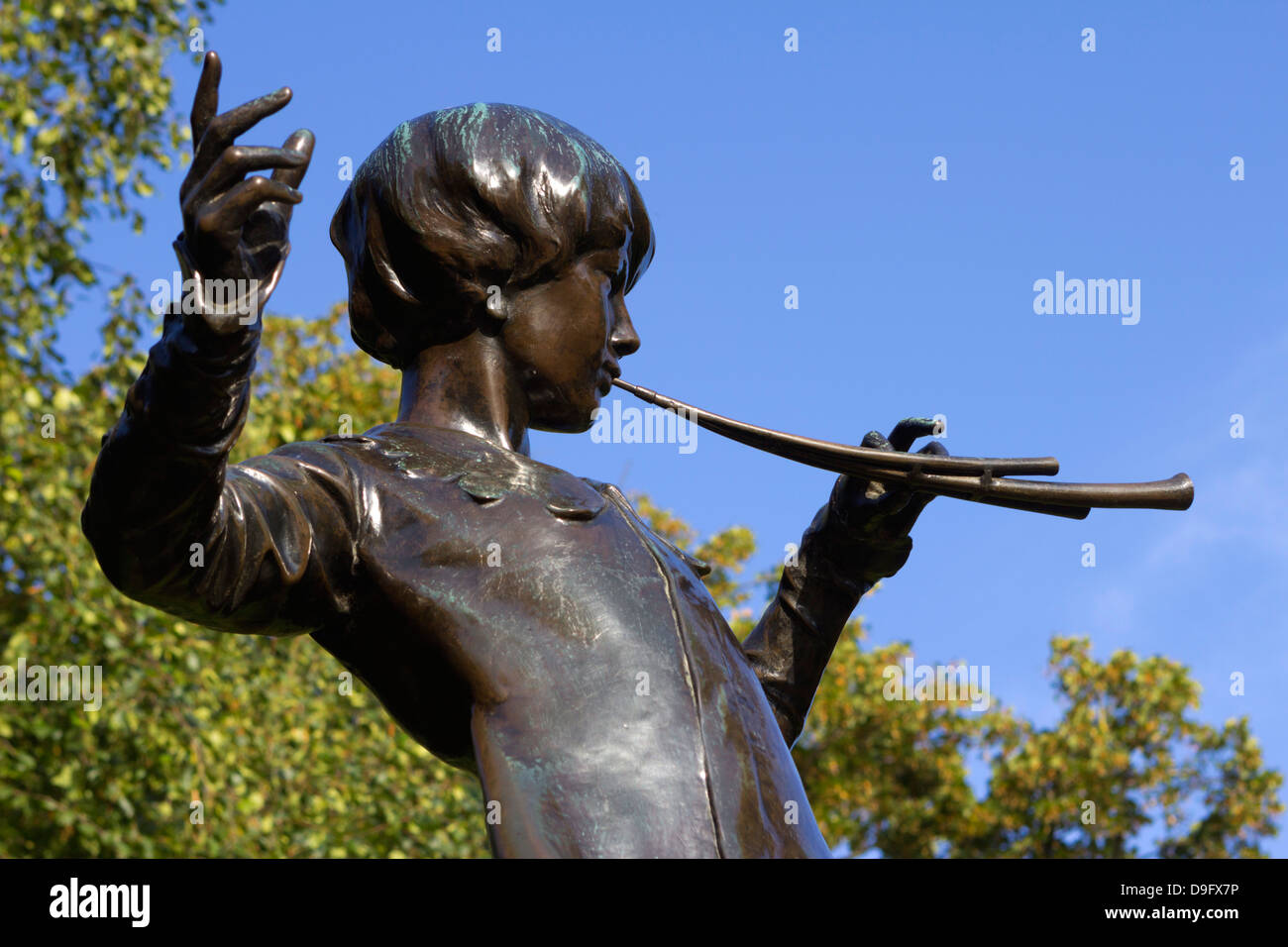 Statue of Peter Pan, Kensington Gardens, London, England, UK - Stock Image