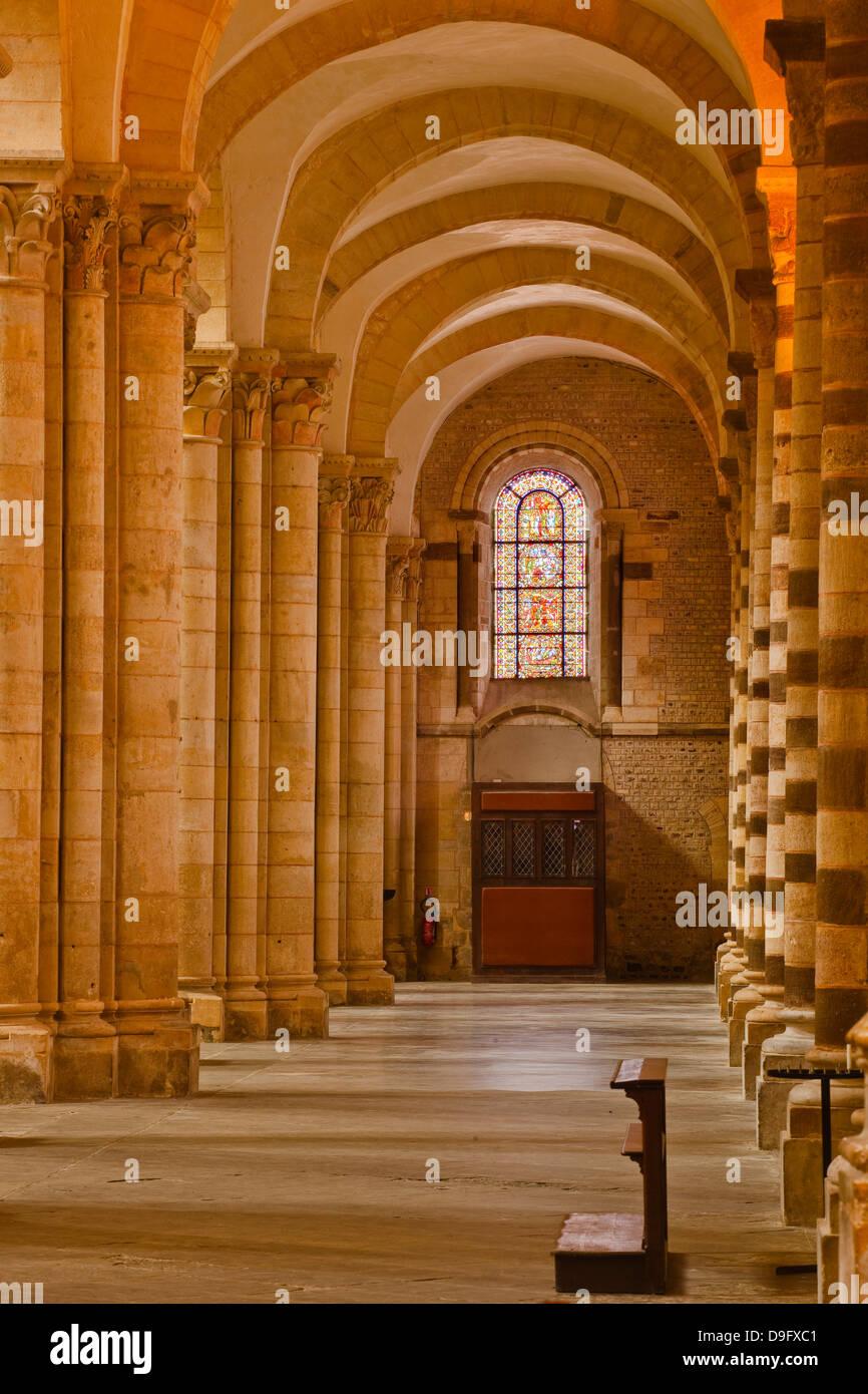 An aisle in St.-Julien du Mans Cathedral, Le Mans, Sarthe, Pays de la Loire, France - Stock Image