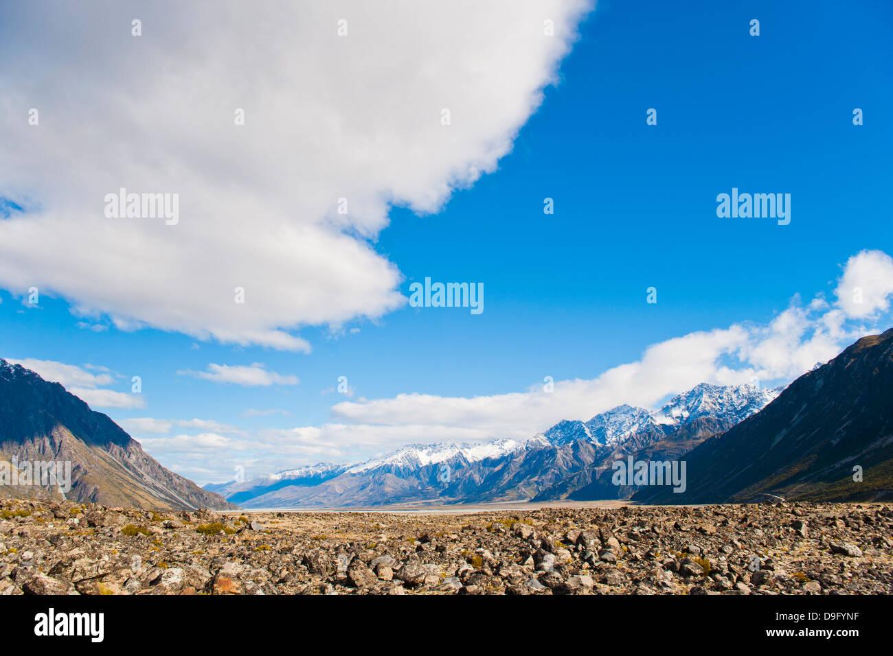 Mountain scenery and mountain, Aoraki Mount Cook National Park, UNESCO World Heritage Site, South Island, New Zealand - Stock Image