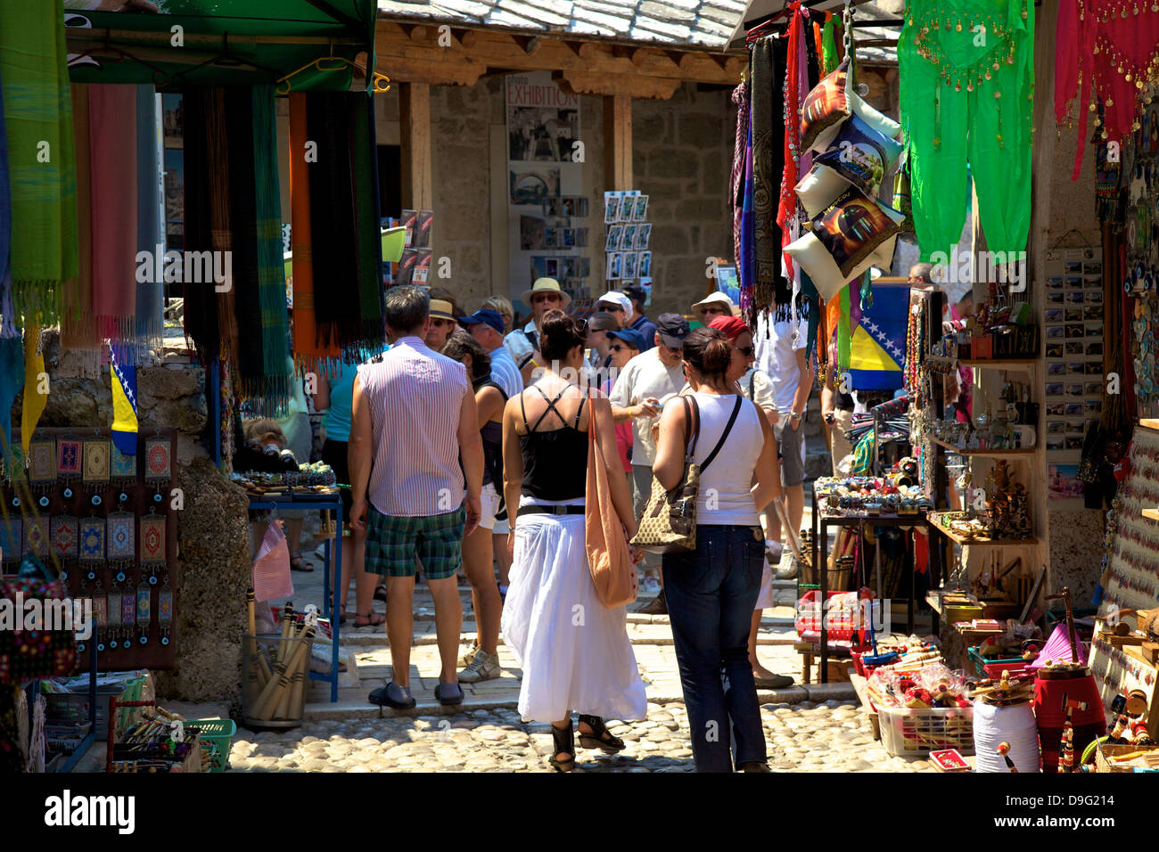 Tourists shopping, Mostar, Bosnia, Bosnia-Herzegovina - Stock Image
