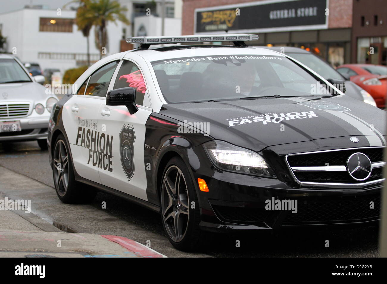 Mercedes fashion force car patrols la the mercedes benz usafashion mercedes fashion force car patrols la the mercedes benz usafashion force car could be seen patrolling the streets of los angeles during the academy awards altavistaventures Gallery