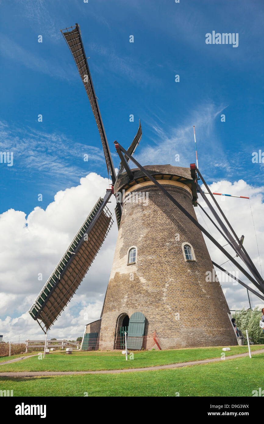 Canal and windmills, Kinderdijk, UNESCO World Heritage Site, South Holland, The Netherlands Stock Photo
