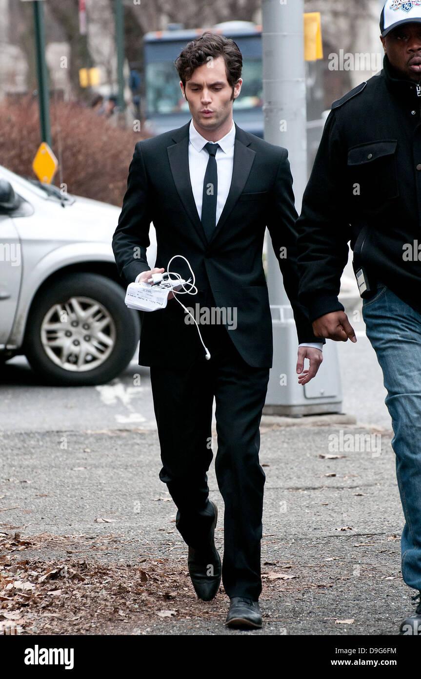 Penn Badgley 'Gossip Girl' filming in the Upper West Side of