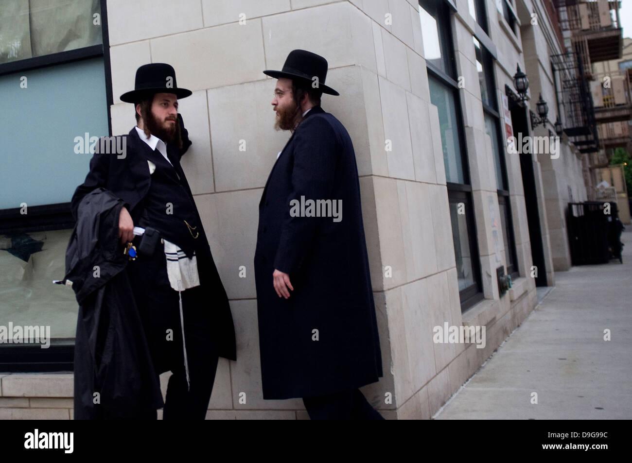 Jewish clothing stores in brooklyn ny