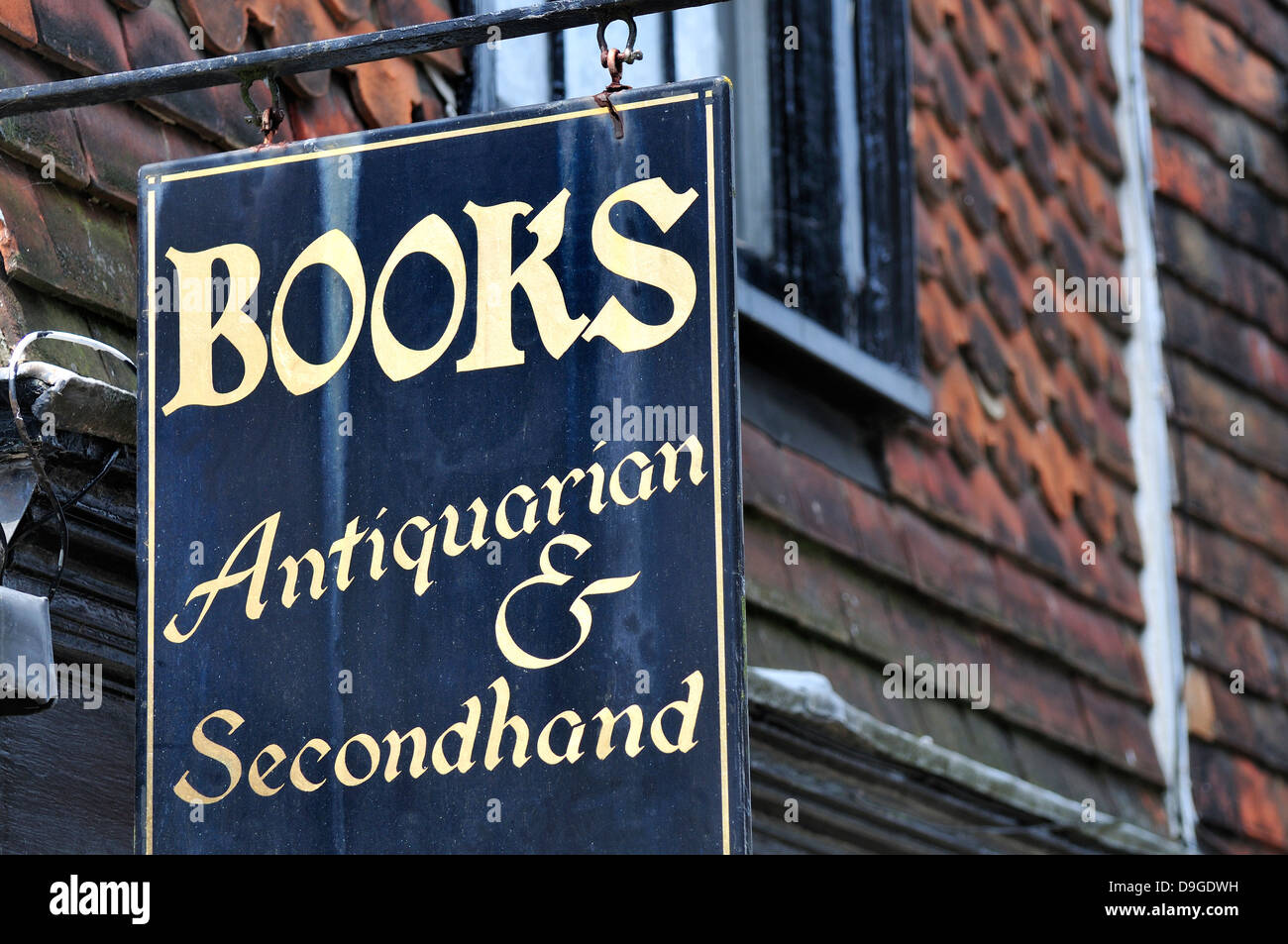 Rye, East Sussex, England, UK. Antiquarian / secondhand bookshop sign - Stock Image