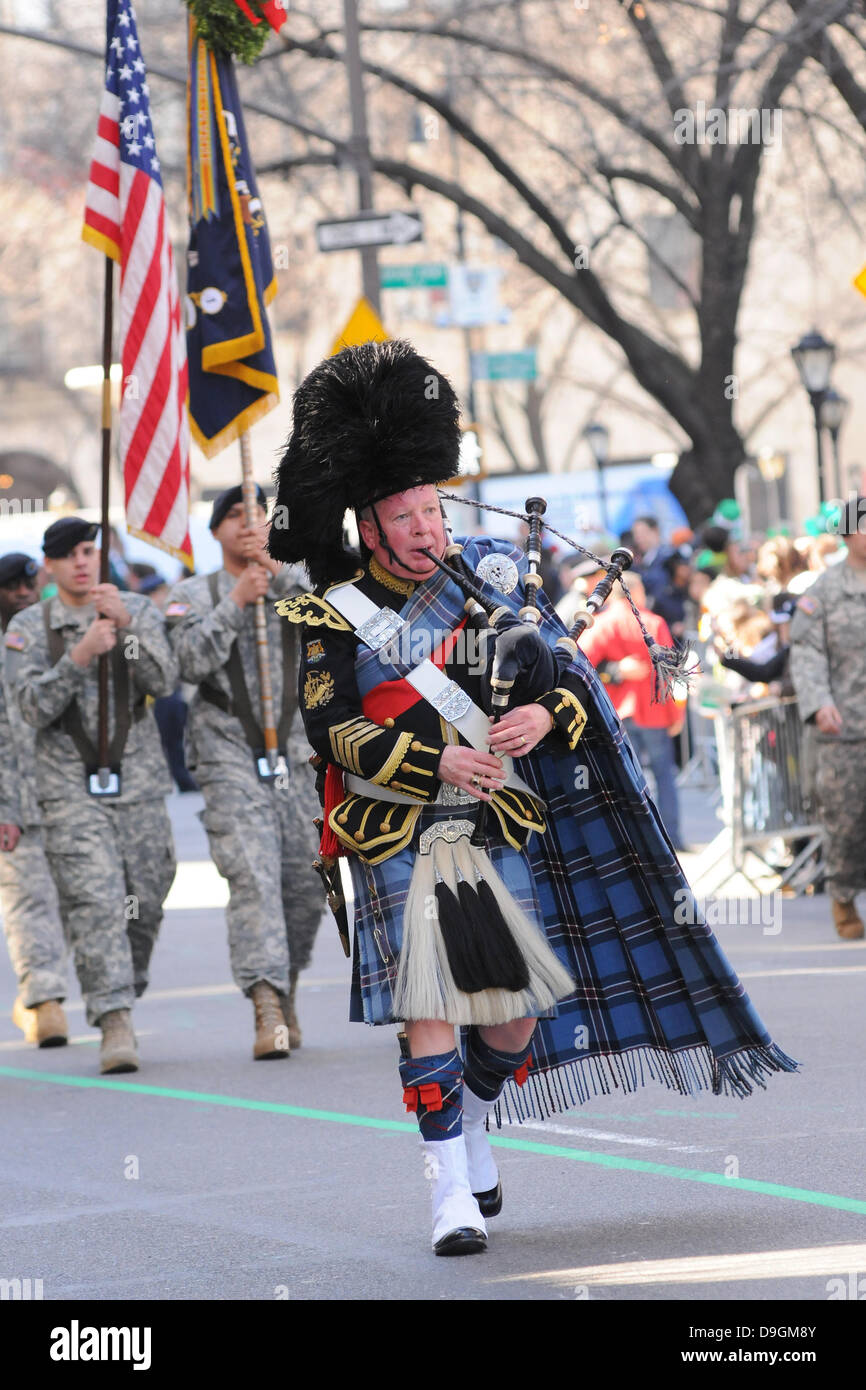 Atmosphere 250th Annual St. Patrick's Day Parade New York City, USA - 17.03.11 - Stock Image