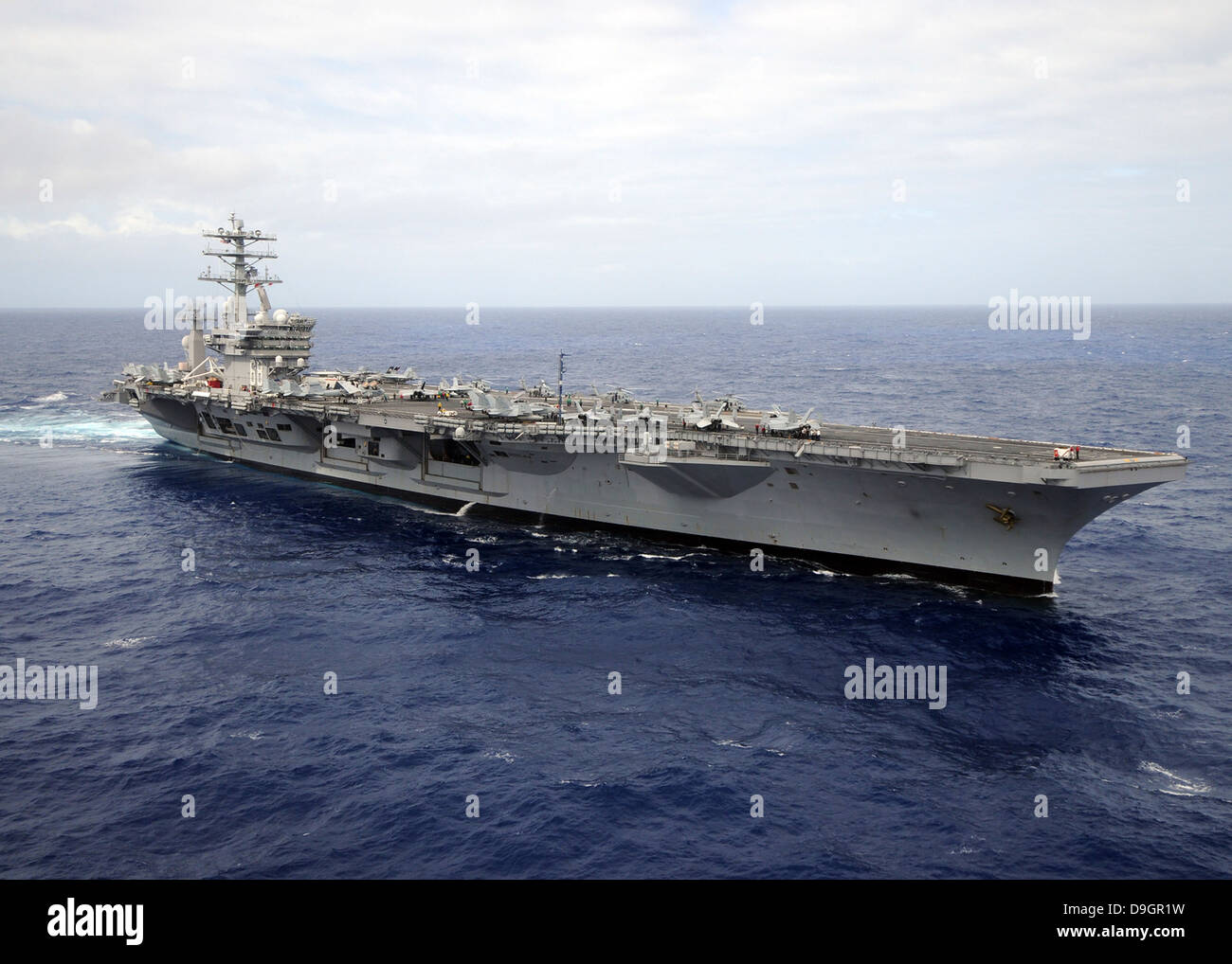 Pacific Ocean, June 25, 2012 - The aircraft carrier USS Nimitz transits the Pacific Ocean. - Stock Image