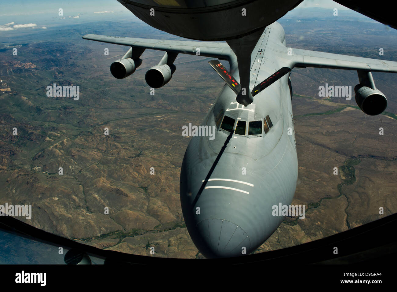 June 11, 2012 - A U.S. Air Force KC-135R Stratotanker aircraft refuels a C-5B Galaxy. - Stock Image