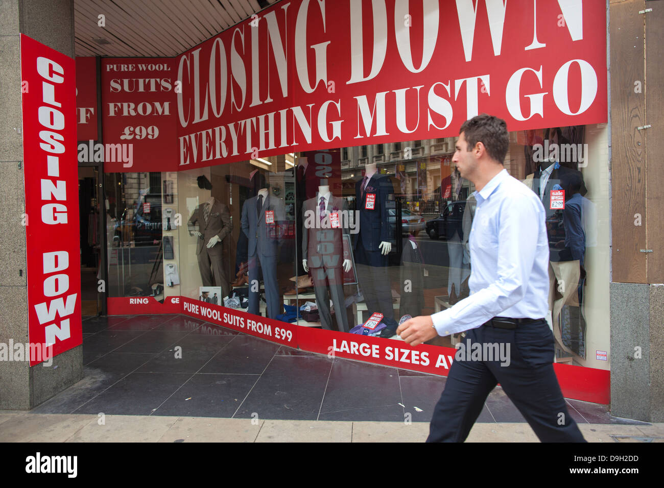 Everything Must Go, Closing Down Sale, Piccadilly, London, England, UK - Stock Image