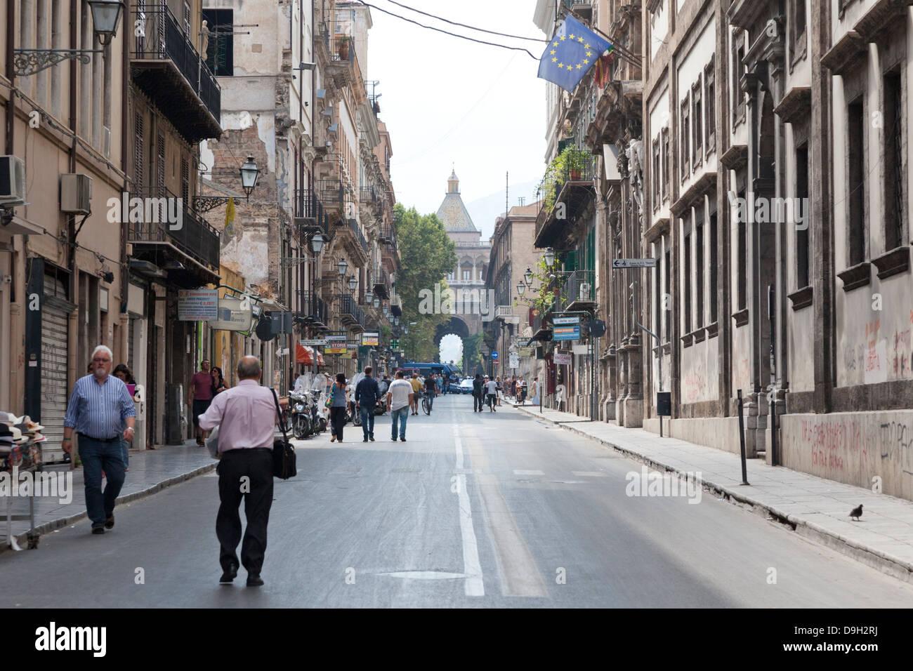 Corso vittorio emanuele and porta nuova palermo sicily for Corso arredatore d interni catania