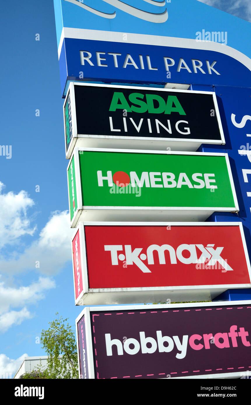 Maidstone, Kent, England. St Peter's Retail Park sign - Stock Image