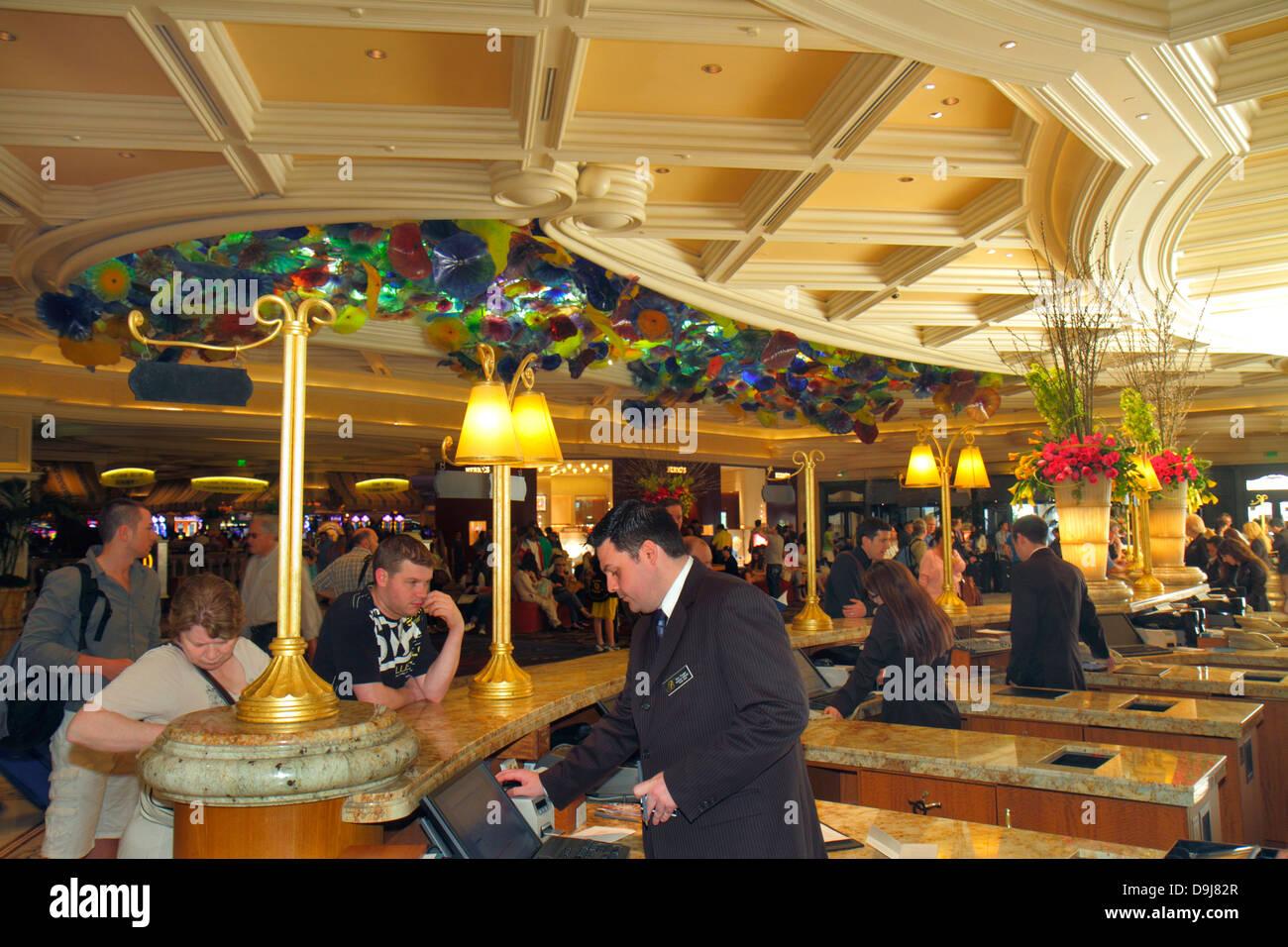 Attractive Reception Bellagio Hotel Casino Las Stock Photos Reception Rh Alamy Com  Bellagio Front Desk Job Bellagio Front Desk Job