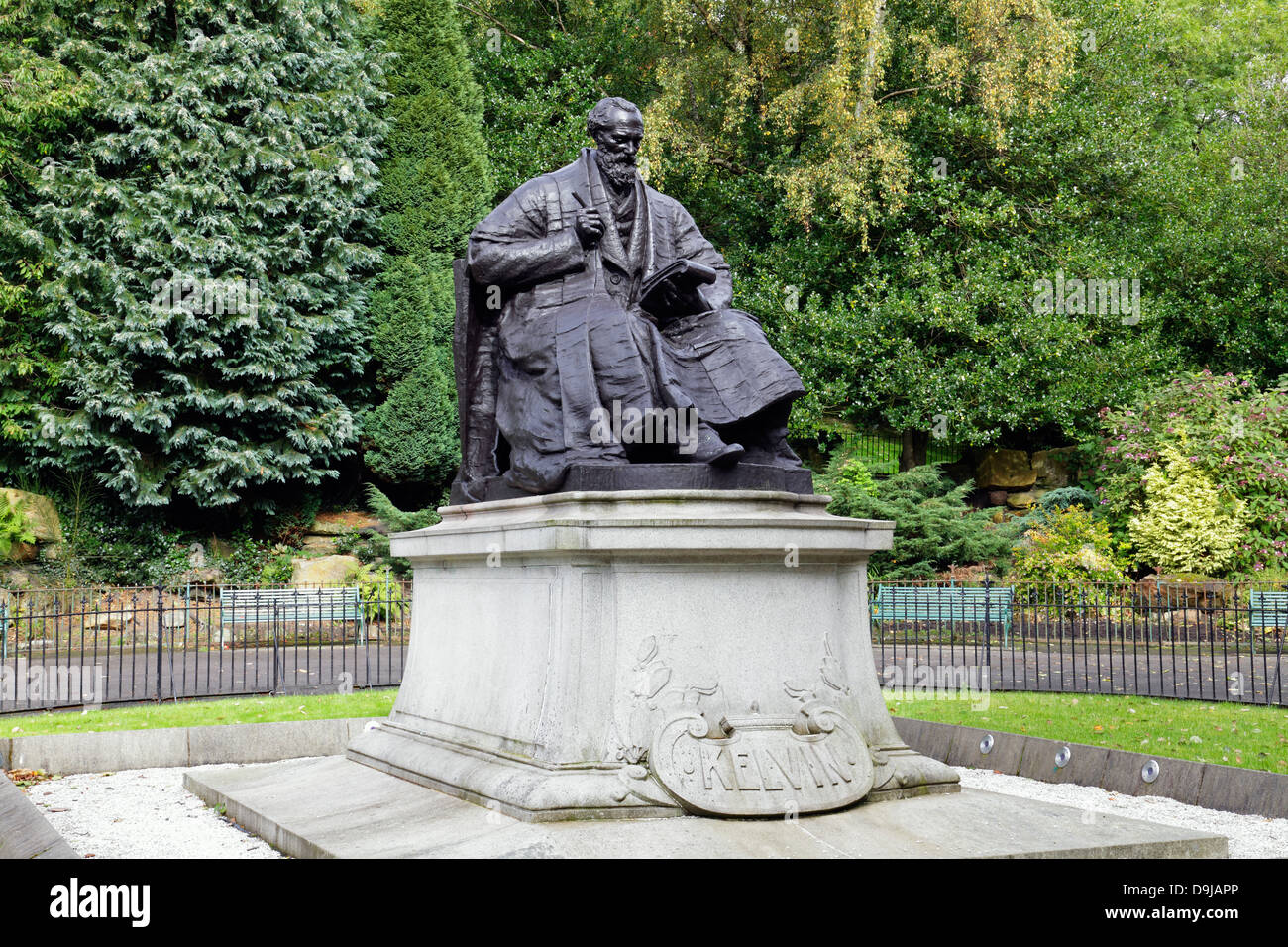 A bronze monument of scientist Sir William Thomson, Baron Kelvin of Largs, Kelvingrove Park, Glasgow, Scotland - Stock Image