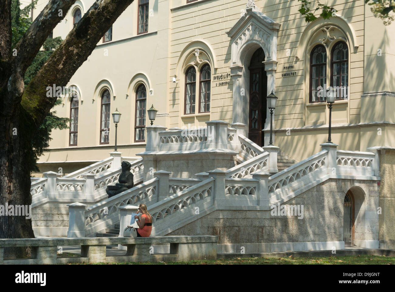 Entrance to ZAgreb university and Faculty of low building with Ivan Mestrovic 'Mother Croat' statue in front, - Stock Image