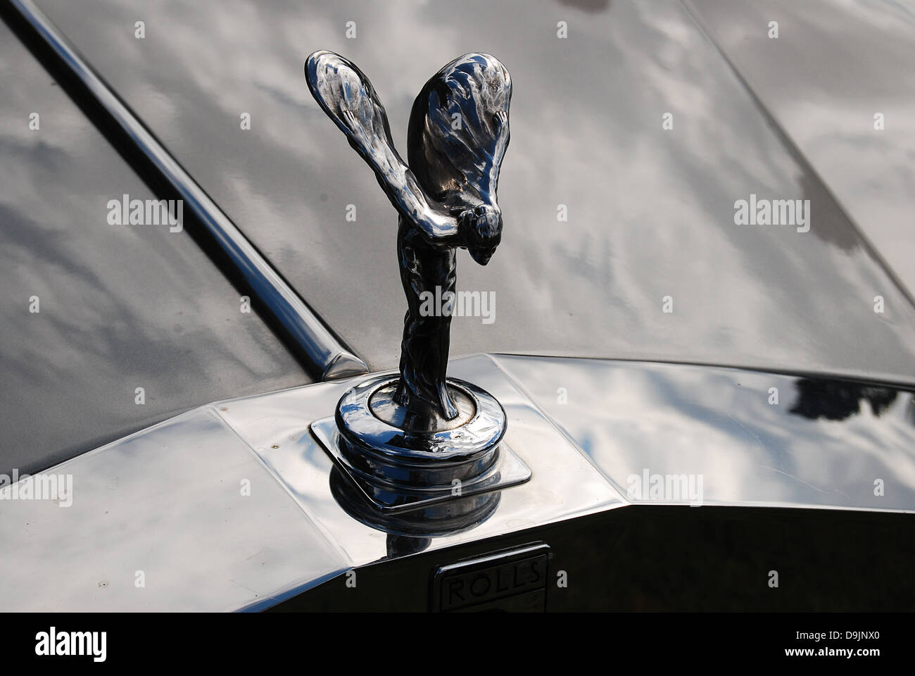 Rolls Royce Emblem On The Front Of The Classic Car Stock Photo