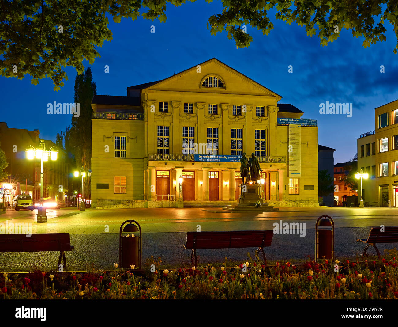 Deutsches Nationaltheater in Weimar with Goethe-Schiller Monument, Theatre Square, Weimar, Thuringia, Germany - Stock Image