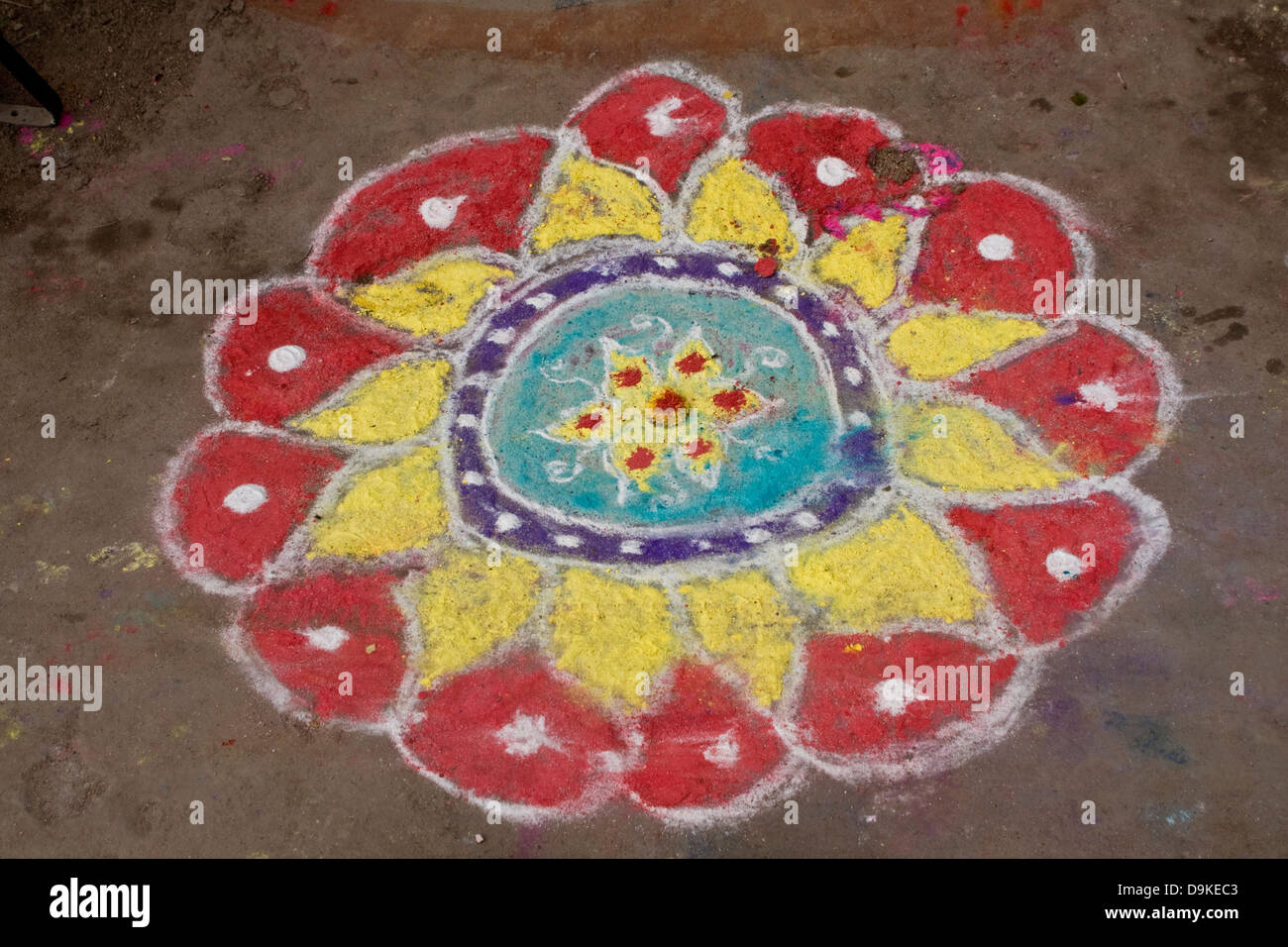 Asia, India,Tamil Nadu, Kanchipuram, traditional drawing in front of a house entrance - Stock Image