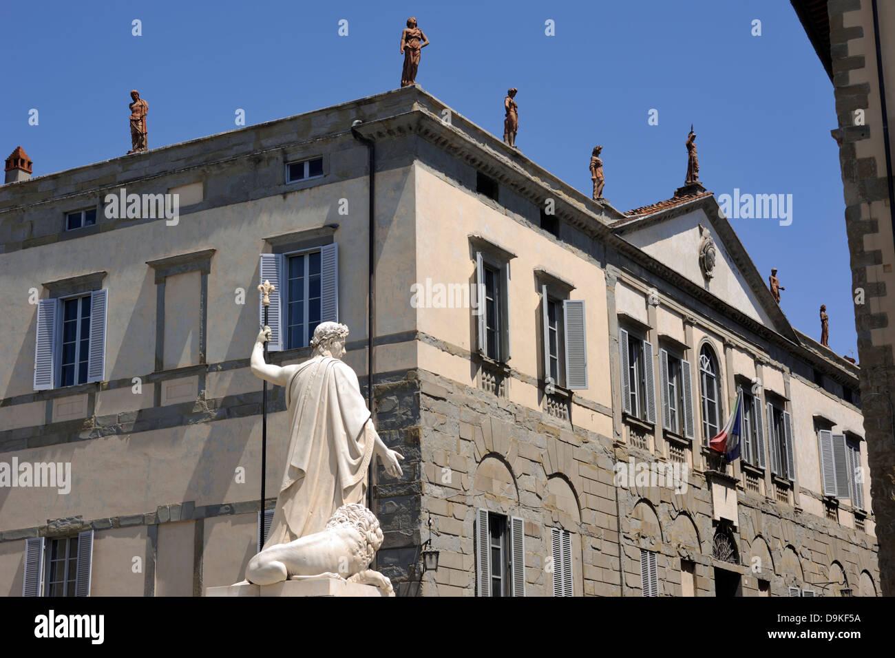 italy, tuscany, arezzo, palazzo albergotti, also known as palazzo delle statue, neoclassic palace - Stock Image