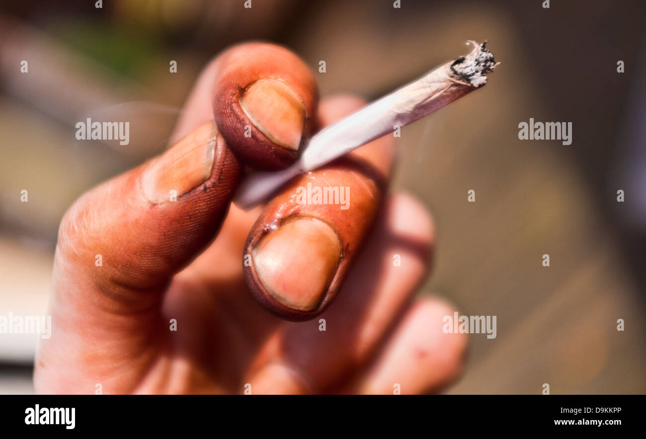 Dirty Nicotine Stained Hand Holding Cigarette Stock Photo: 57595630 ...