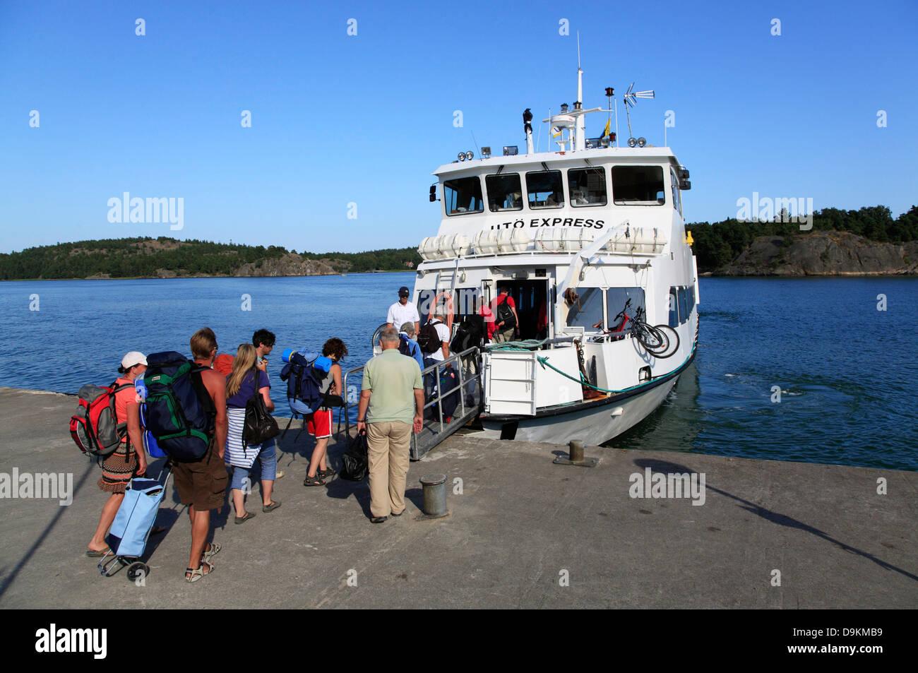 Ferry to little islands, Stockholm archipelago, baltic sea coast, Sweden, Scandinavia - Stock Image
