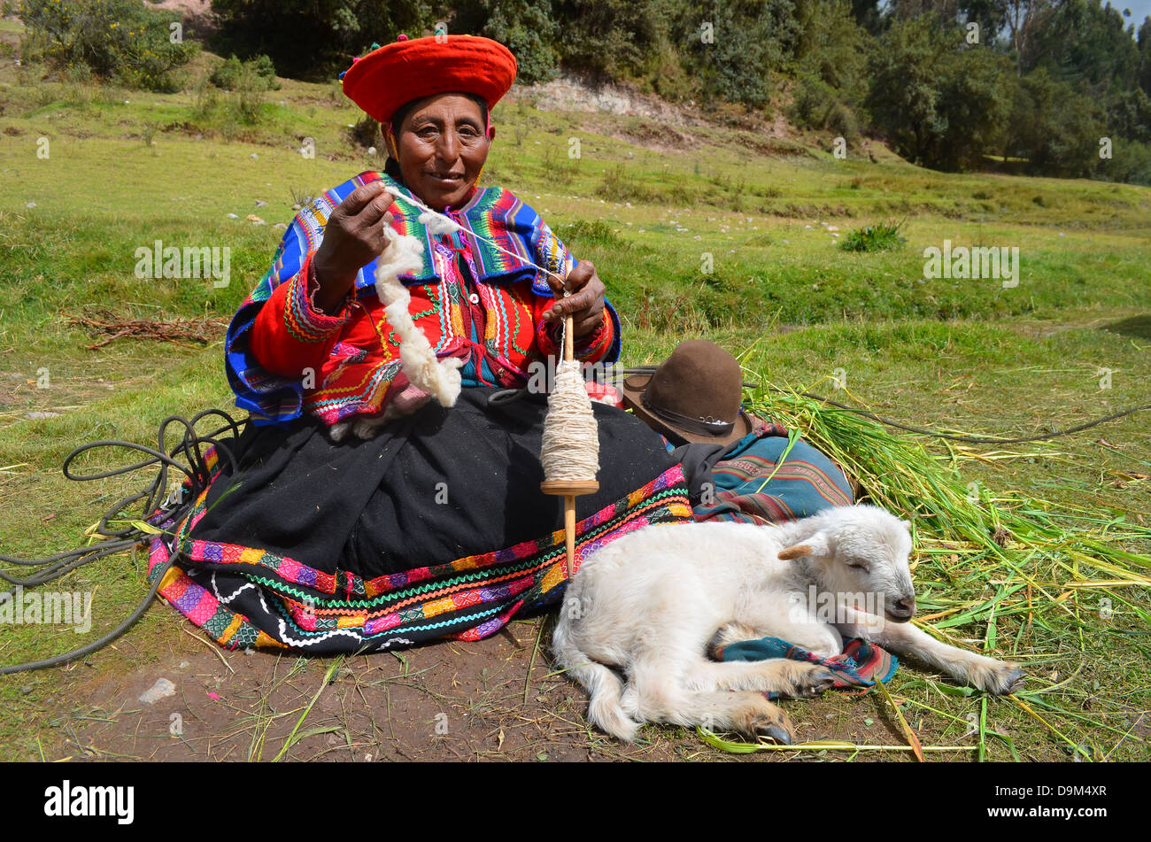 A Quechua local girl from the rural Andes in traditional dress, Cusco, Peru - Stock Image