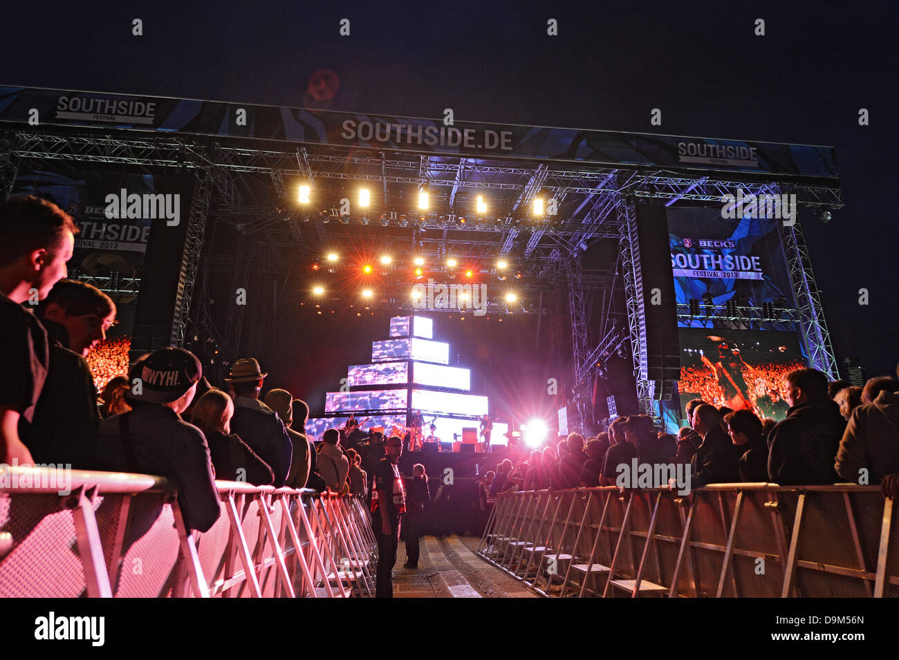 Neuhausen ob Eck, Germany. 21st June, 2013. The US-band 'The Smashing Pumpkins' perform on stage in front - Stock Image