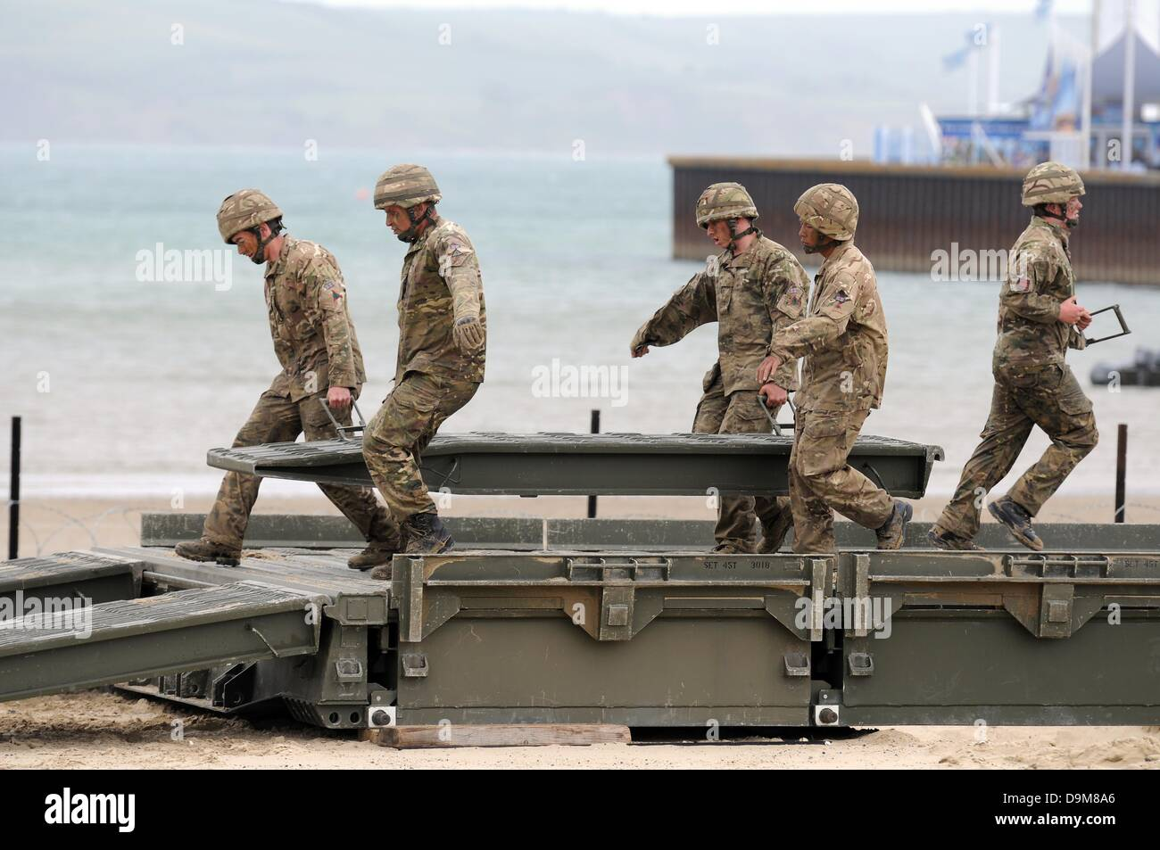 Bridge building by British Army, 22nd Engineer Regiment - Stock Image