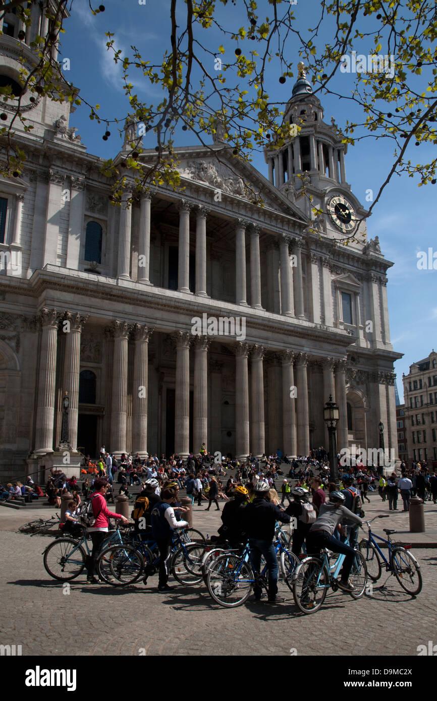Bicycle Tour London Not Racing Stock Photos Amp Bicycle Tour