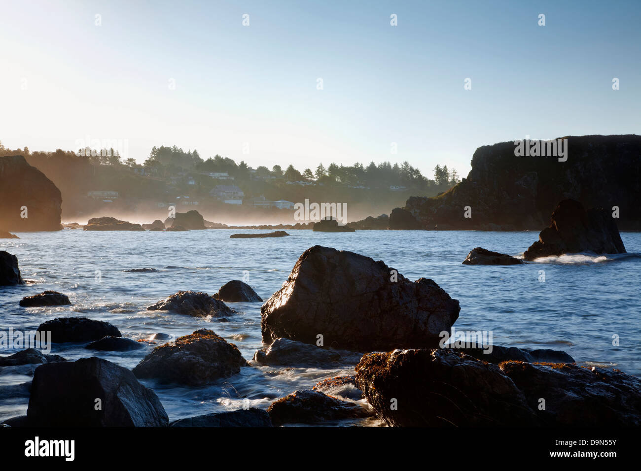 OREGON - Rocks, islands and seastacks at Rock Beach at the edge of the Pacific Ocean in Harris Beach State Recreation - Stock Image
