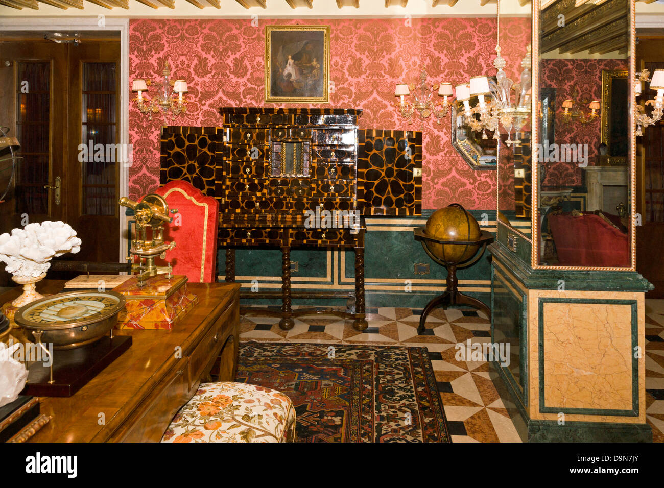 The Explorer's Library, Gritti Palace Hotel, Venice (restored 2013) - Stock Image