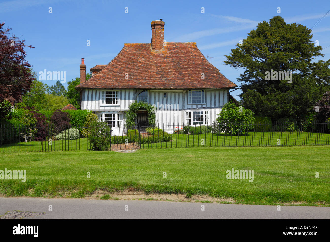 Half timber house on the Green at Woodchurch Kent England UK GB - Stock Image