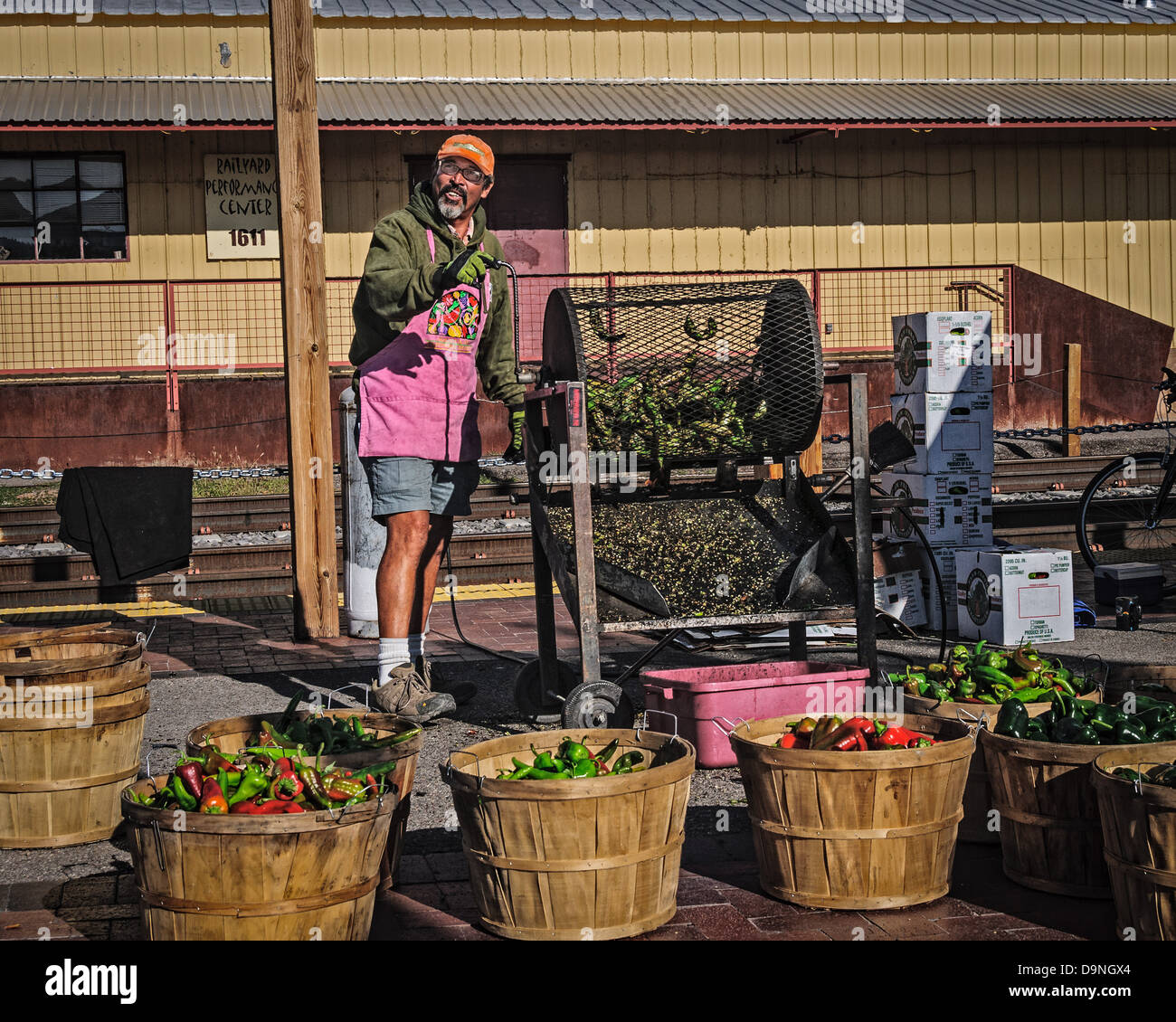 Chili Pepper Roasting, Santa Fe Farmers Market, The Railyard, Santa Fe, New Mexico - Stock Image