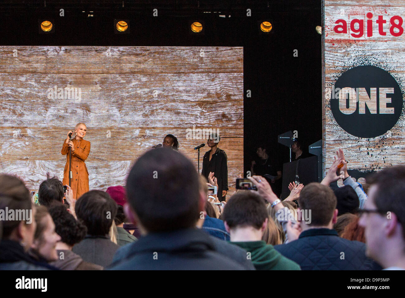 Jessie J performs at the ONE Agit8 campaign, outside Tate Modern, London. - Stock Image