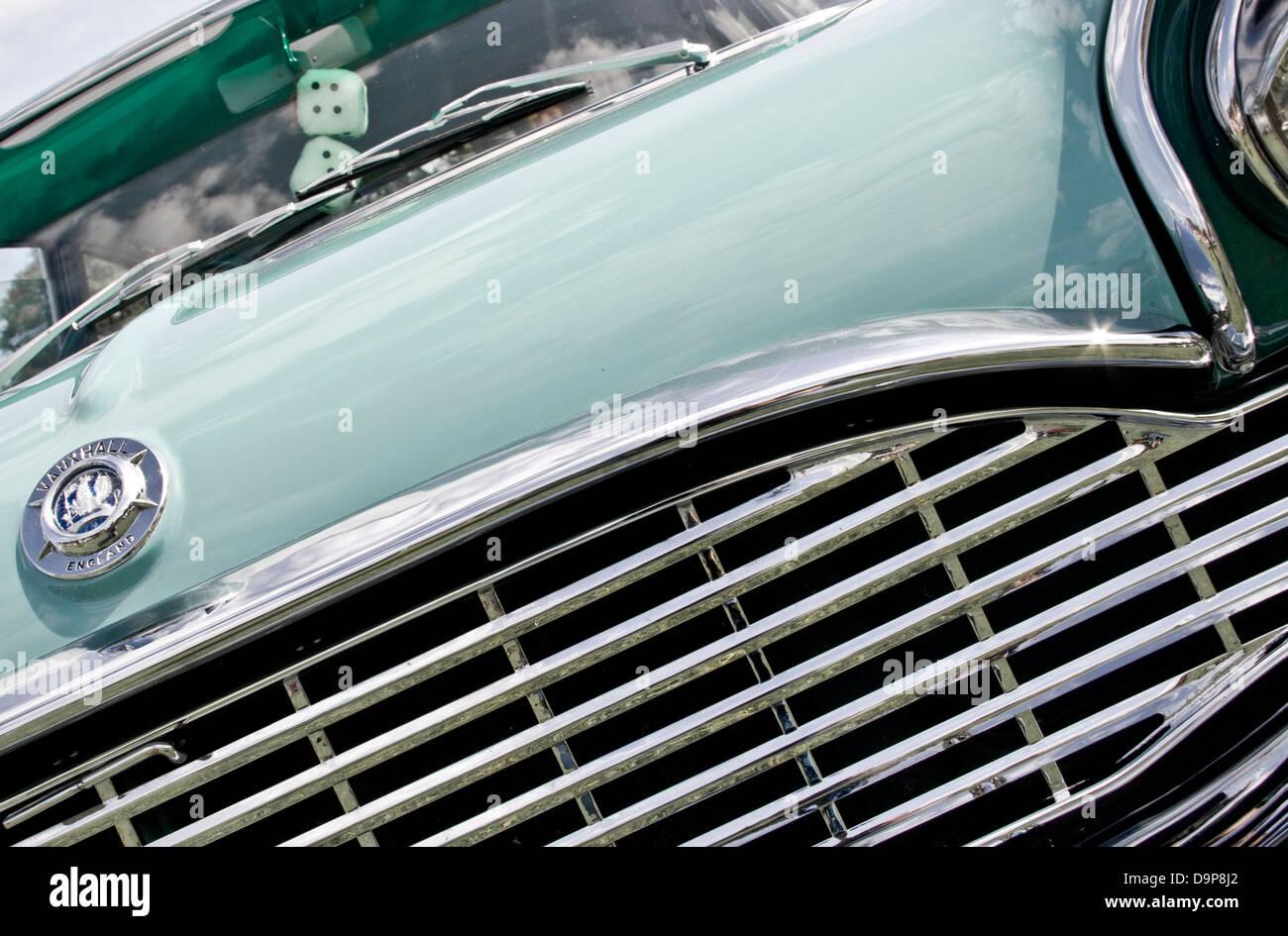 1950's Vauxhall Cresta bonnet hood grill radiator classic car - Stock Image