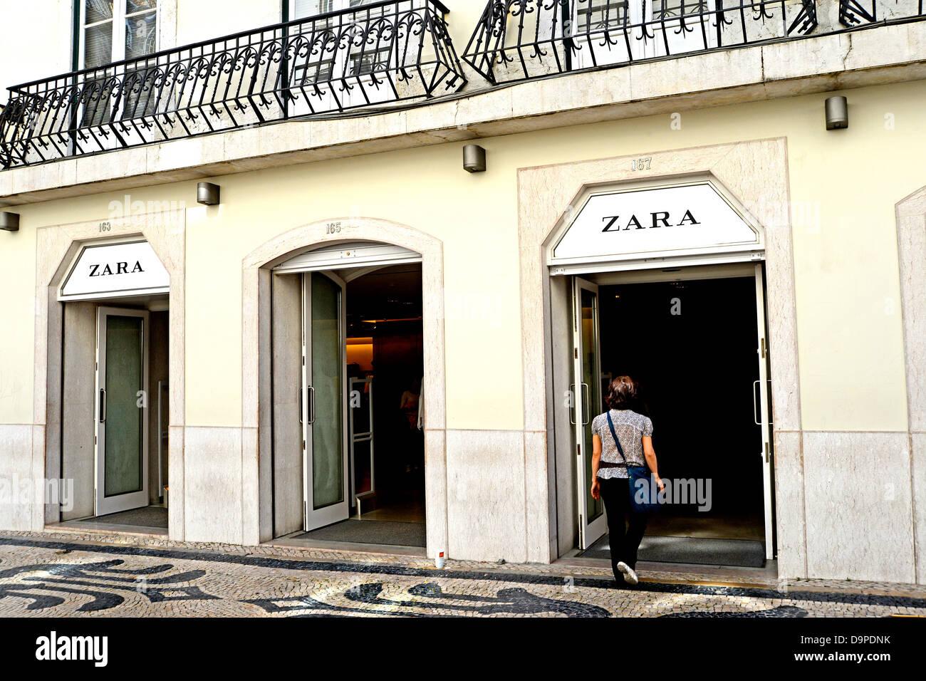 Zara boutique Lisbon Portugal - Stock Image